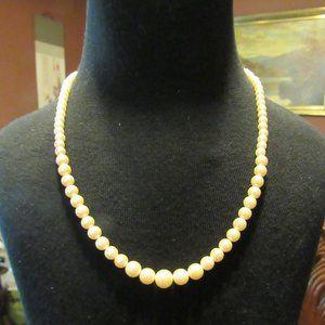Vintage Dainty Dark Cream Faux Pearl Necklace